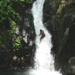 Wasserfall erklimmen