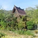 Die Holzhütte von der Seite